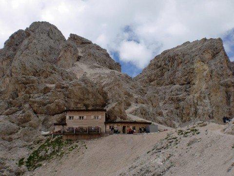 Il pittoresco scenario alpino – la vostra vacanza al Catinaccio nelle Dolomiti